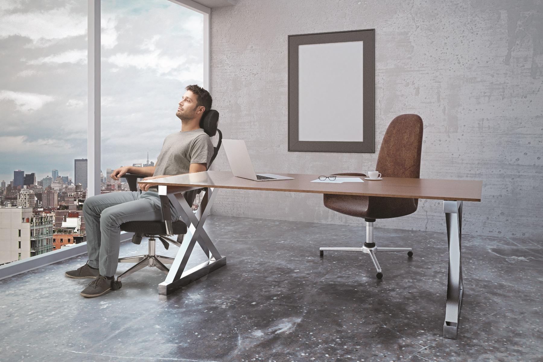 הדרך הנכונה לשבת מול המחשב - תמונה מספר 1